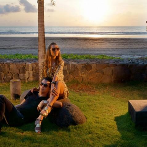 Luna2 Private Hotel - Seminyak, Bali - Beachfront Sunset Drinks