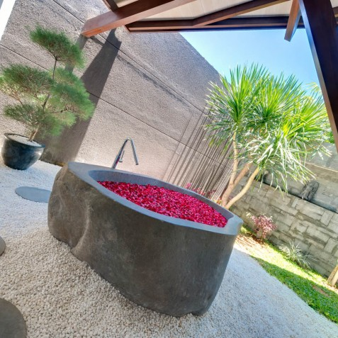 The Layar - 1 Bedroom Villa - Flower Bath - Seminyak, Bali