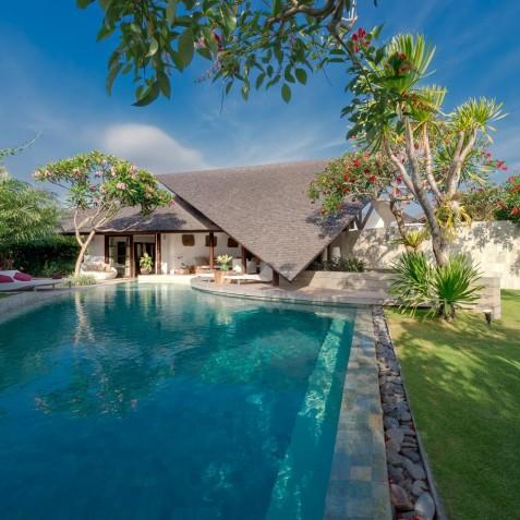 The Layar - 3 Bedroom Villa - Pool and Garden - Seminyak, Bali