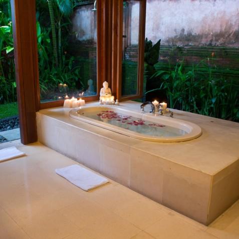 Villa Bougainvillea Bali - Guest Bathroom - Canggu, Bali