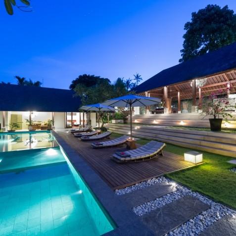 Villa Bunga Pangi Bali - Pool and Villa at Night - Canggu, Bali