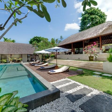 Villa Bunga Pangi Bali - Pool and Sun Deck - Canggu, Bali