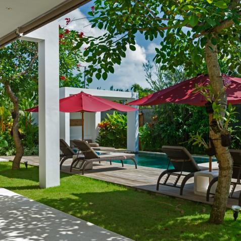 Villa Casa Brio - Garden and Pool Loungers - Seminyak, Bali