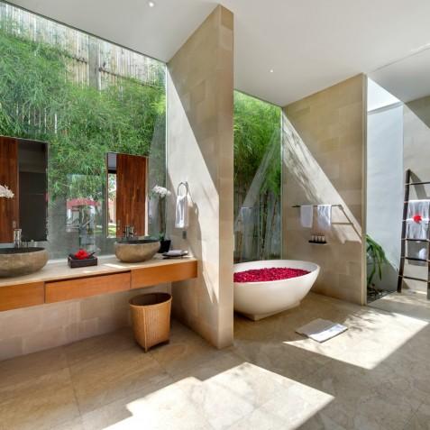 Villa Casa Brio - Guest Bathroom One - Seminyak Bali