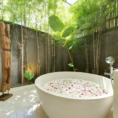 Villa Casa Brio - Master Ensuite Bathroom - Seminyak, Bali