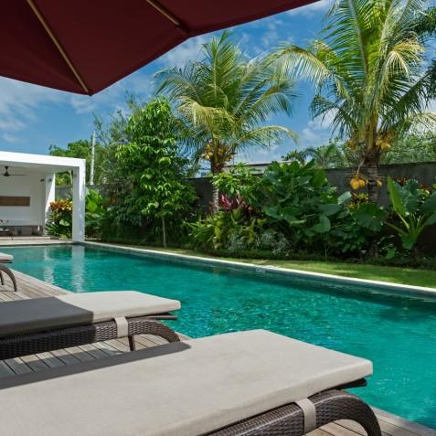 Villa Casa Brio - Sun Loungers by Pool - Seminyak, Bali