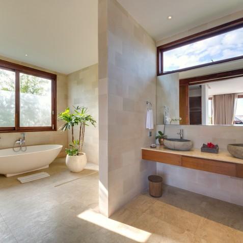 Villa Casa Brio - Bathroom - Seminyak, Bali