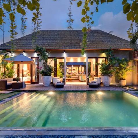 Villa Eshara II - Seminyak, Bali - Pool and Villa at Night
