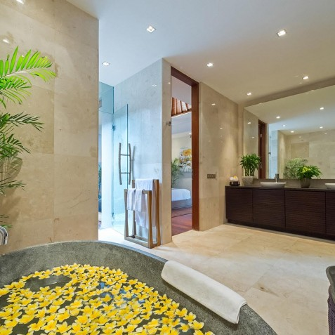 Villa Eshara III - Ensuite Flower Bath - Seminyak, Bali