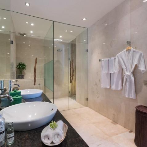 Villa Eshara III - Shower Room - Seminyak, Bali