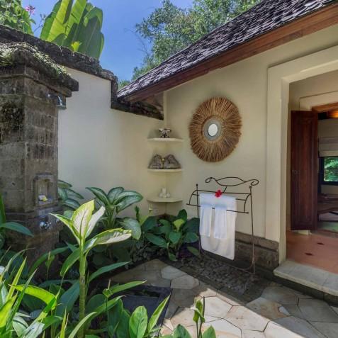 Villa Frangipani Bali - Outdoor Bathroom - Canggu, Bali
