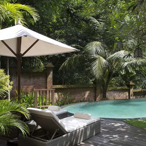 Villa Iskandar Bali - Seseh-Tanah Lot, Bali - Sun Loungers by Pool