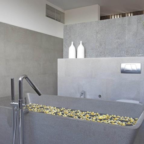 Villa Issi - Master Ensuite Bathroom - Seminyak, Bali