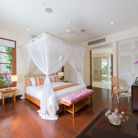 Villa Jajaliluna - Master Bedroom - Seminyak, Bali
