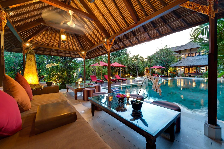 Villa Kalimaya I - Pool Lounge Pavilion at Sunset - Seminyak, Bali
