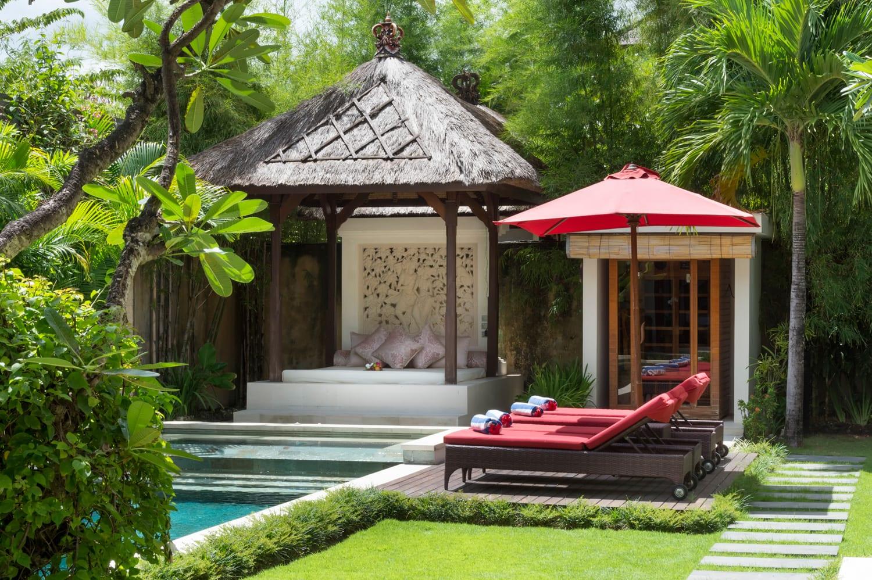 Villa Kalimaya II - Bale and Sun Loungers - Seminyak, Bali