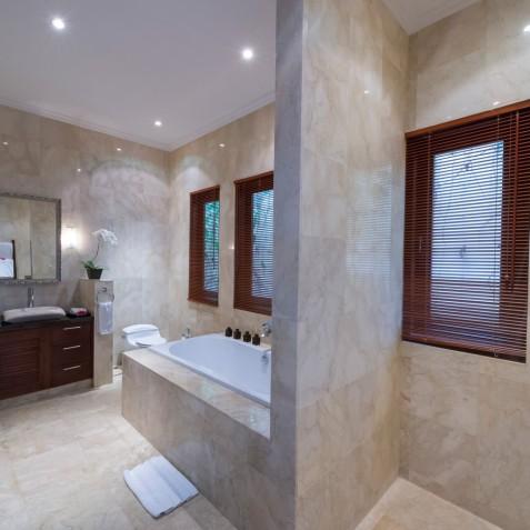 Villa Kalimaya II - Master Ensuite Bathroom, Seminyak, Bali