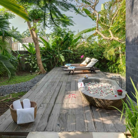 Villa Kavya Bali - Guest Suite -Outdoor Bath Tub - Canggu, Bali