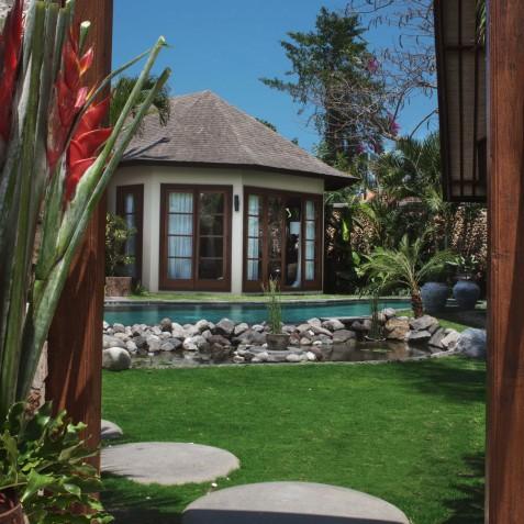 Villa Lataliana II - Entrance - Seminyak, Bali