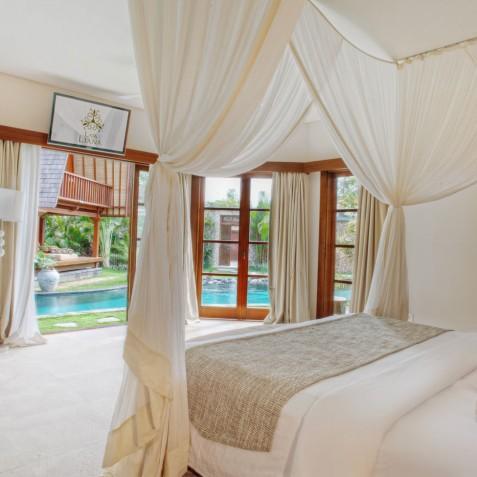 Villa Lataliana II - Master Bedroom - Seminyak, Bali