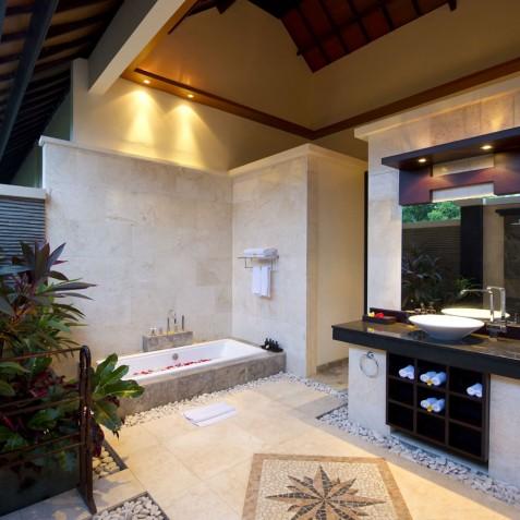 Villa LeGa Bali - Master Bathroom - Seminyak, Bali