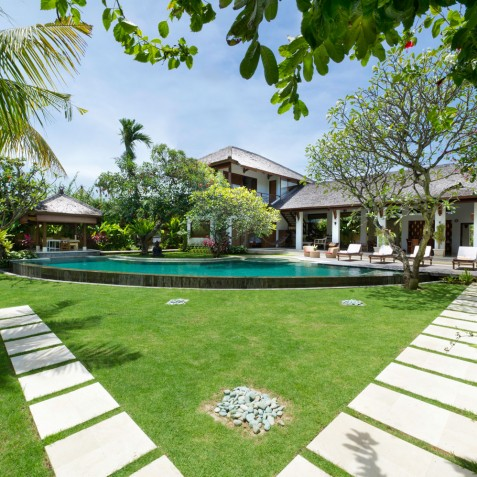Villa Maharaj - Villa and Gardens - Seminyak, Bali