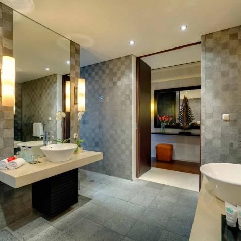 Villa Mandalay Bali - Master Bathroom - Seseh-Tanah Lot