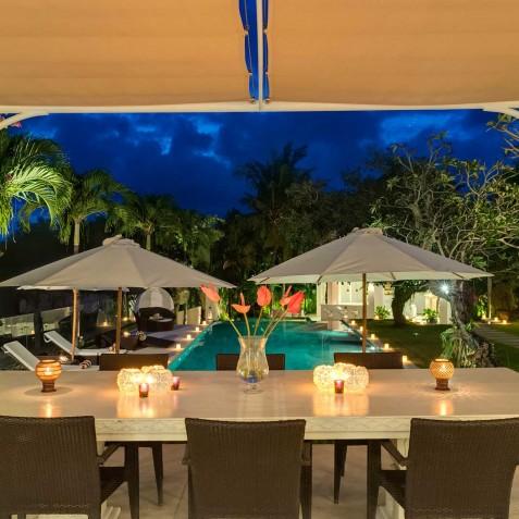 Villa Manis Bali - Alfresco Dining overlooking Pool - Canggu, Bali