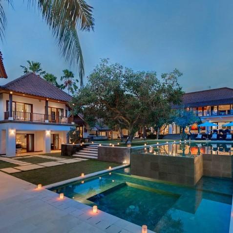 Villa Manis Bali - Pavilions at Night - Canggu Bali
