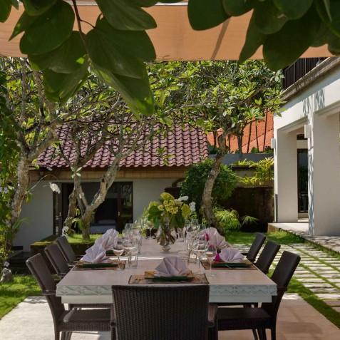 Villa Manis Bali - Patio Dining - Canggu, Bali