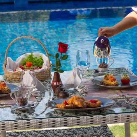 Villa Sayang d'Amour - Breakfast by Pool - Seminyak, Bali