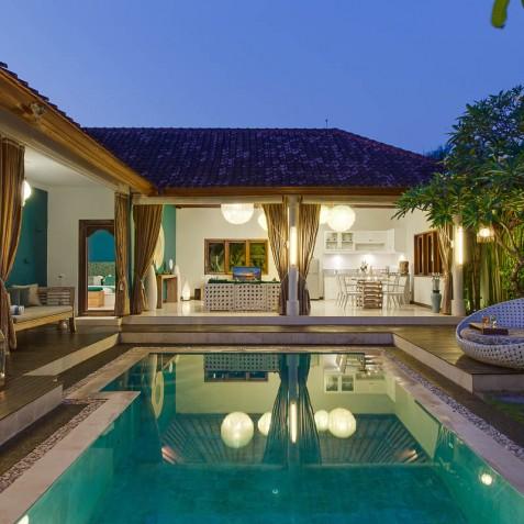 Villa Sea - 4S Villas - Pool and Villa at Dusk - Seminyak, Bali