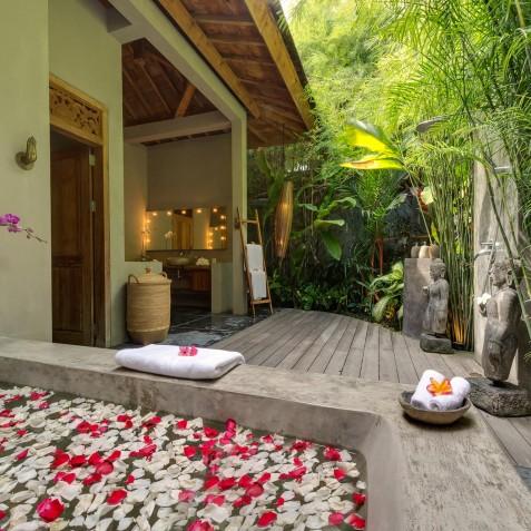 Villa Shambala - Outdoor Bathroom - Seminyak, Bali