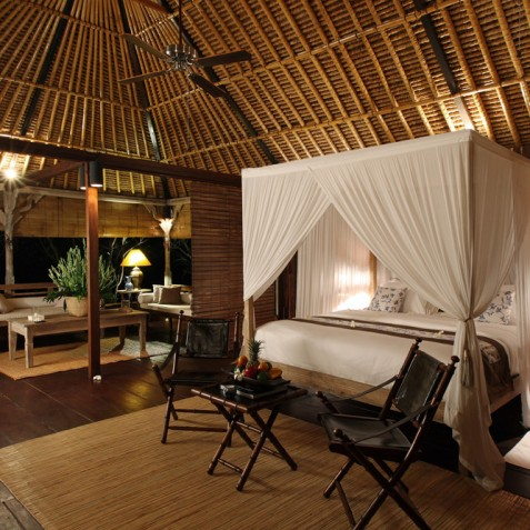 Villa Shamballa Ubud Bali - Bedroom at Night