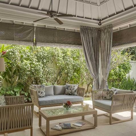 Villa Sky - 4S Villas - Poolside Lounge - Seminyak, Bali