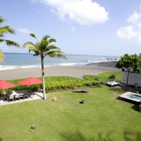 Villa Sound of the Sea Bali - Beachfront Garden - Canggu, Bali