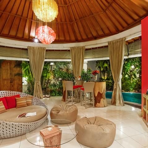 Villa Sun - 4S Villas - Lounge and Dining - Seminyak, Bali