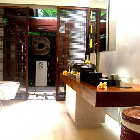 Villa Tukad Pangi - Ensuite Bathroom - Canggu, Bali