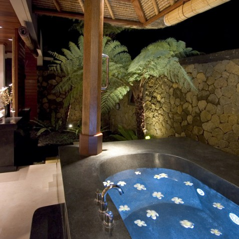 Villa Vajra, Ubud, Bali - Master Bathroom