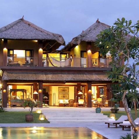 Villa Waringin - Villa at Dusk - Pantai Lima, Canggu, Bali