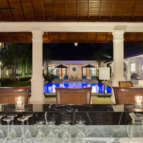 Villa Windu Asri - Bar and Pool - Seminyak, Bali