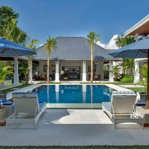 Villa Windu Asri - Pool Sun Loungers - Seminyak, Bali