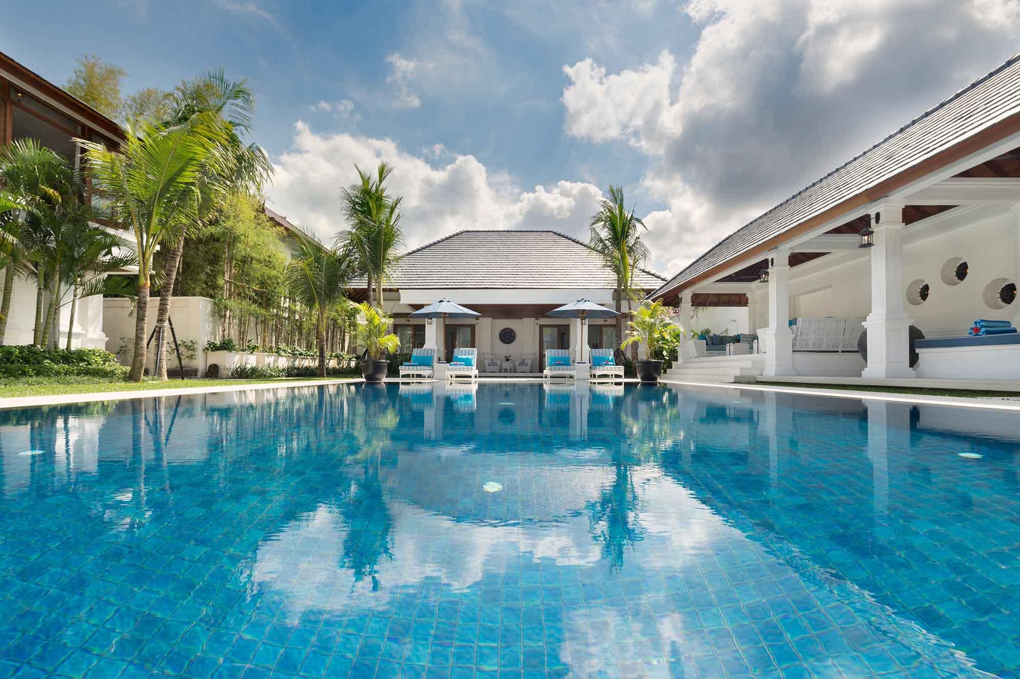 Villa windu asri 6 bedroom villa seminyak ultimate bali for Villas with swimming pool