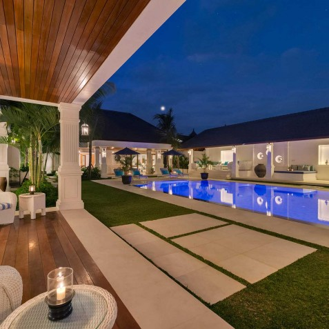 Villa Windu Asri - Tropical Living at Night - Seminyak, Bali