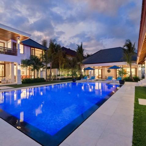 Villa Windu Asri - Villa at Night - Seminyak, Bali