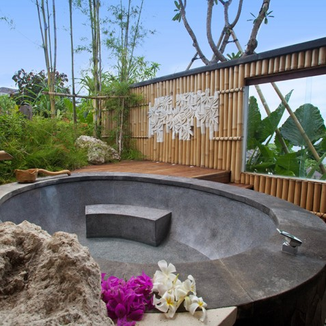 Bidadari Cliffside Estate, Nusa Dua, Bali - Guest Suite Bathtub