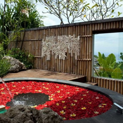 Bidadari Cliffside Estate, Nusa Dua, Bali - Outdoor Bathtub