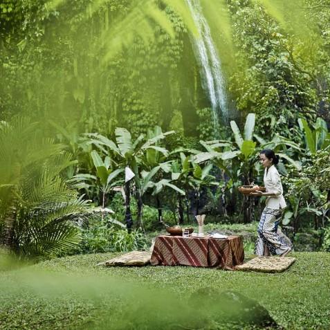 COMO Shambhala Estate, Bali - Picnic by Waterfall