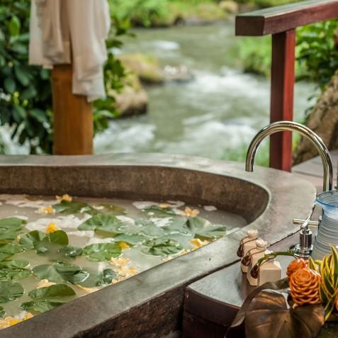 Fivelements Puri Ahisma, Bali - Bidadari Beauty Spa Bath