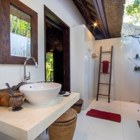 Sukhavati Ayurvedic Retreat & Spa, Bali - Spa Bathroom
